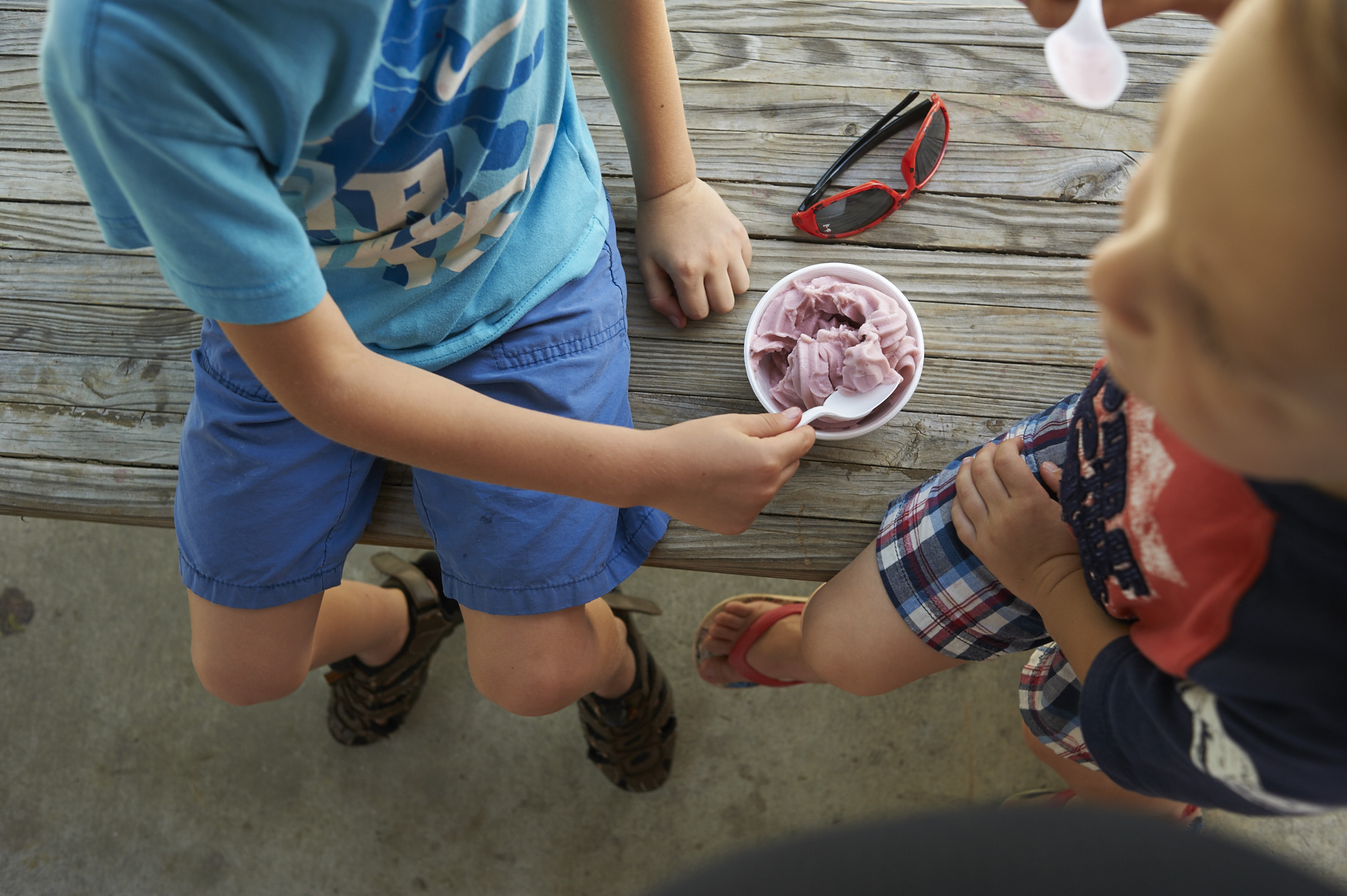 strawberry picking, lccl farm, rome, GA, family, lifestyle photography, its the everyday, homemade ice-cream, boys, motherhood
