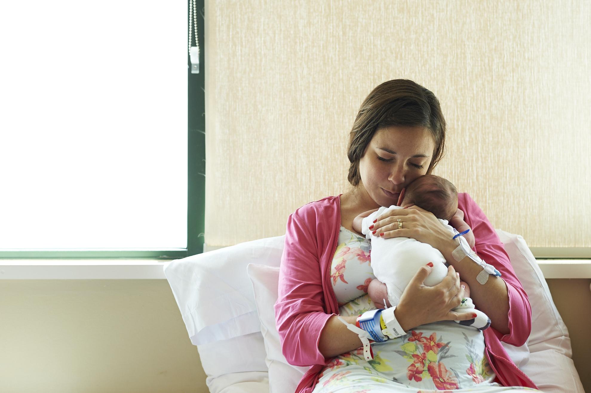 birth, itstheeveryday, photography, lifestyle, motherhood, gift, baby, newborn, hospital, rainbow baby, son