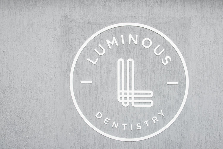 LUMINOUS DENTISTRY
