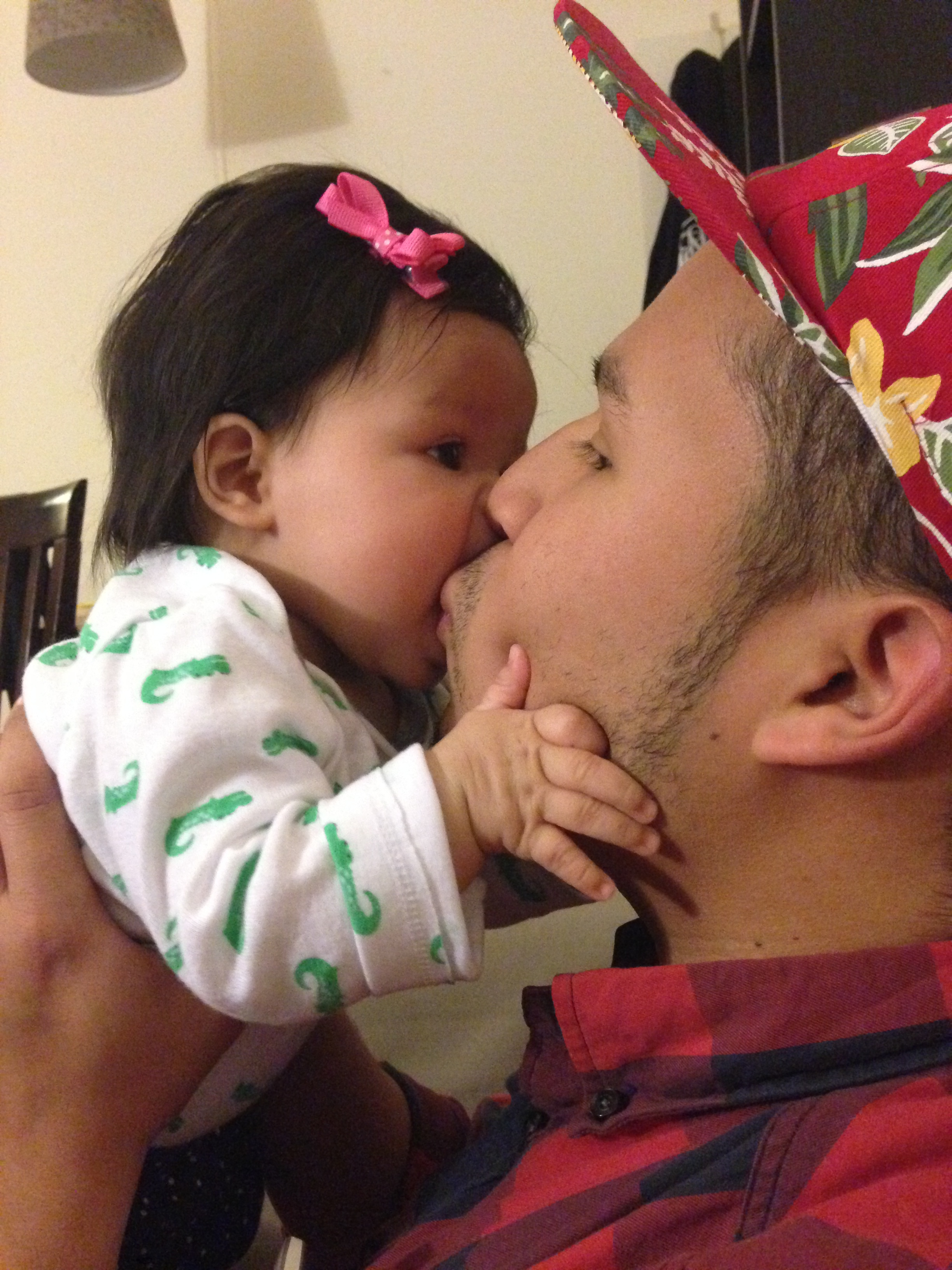 Aly kisses <3