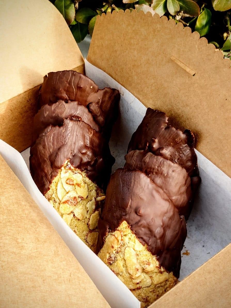 6chocalmondcookie.jpeg
