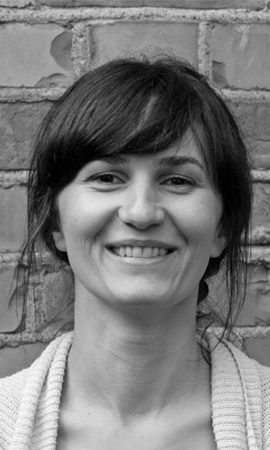 Ruxandra Stroe  Arkitekt/Filmscenografi student rs@topicark.no