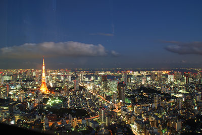 Tokyo at night (Photo credit  Sebastien Batardy )