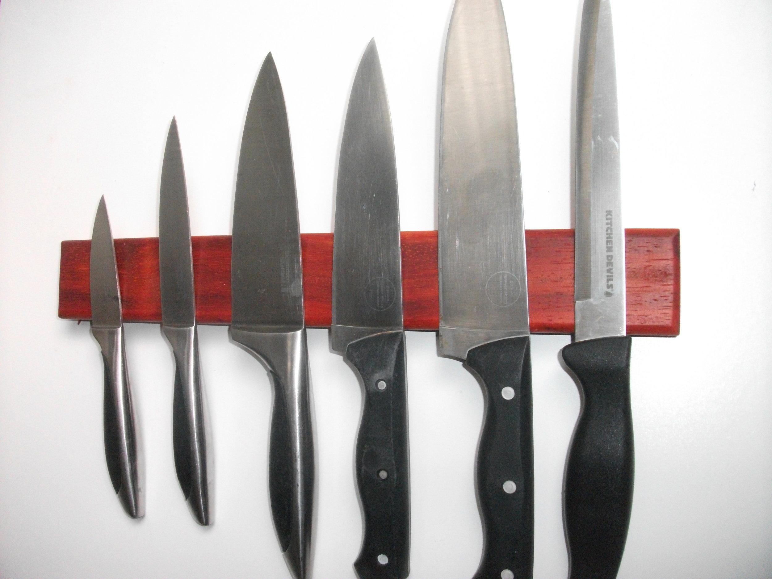 6-Knife Padauk Rack