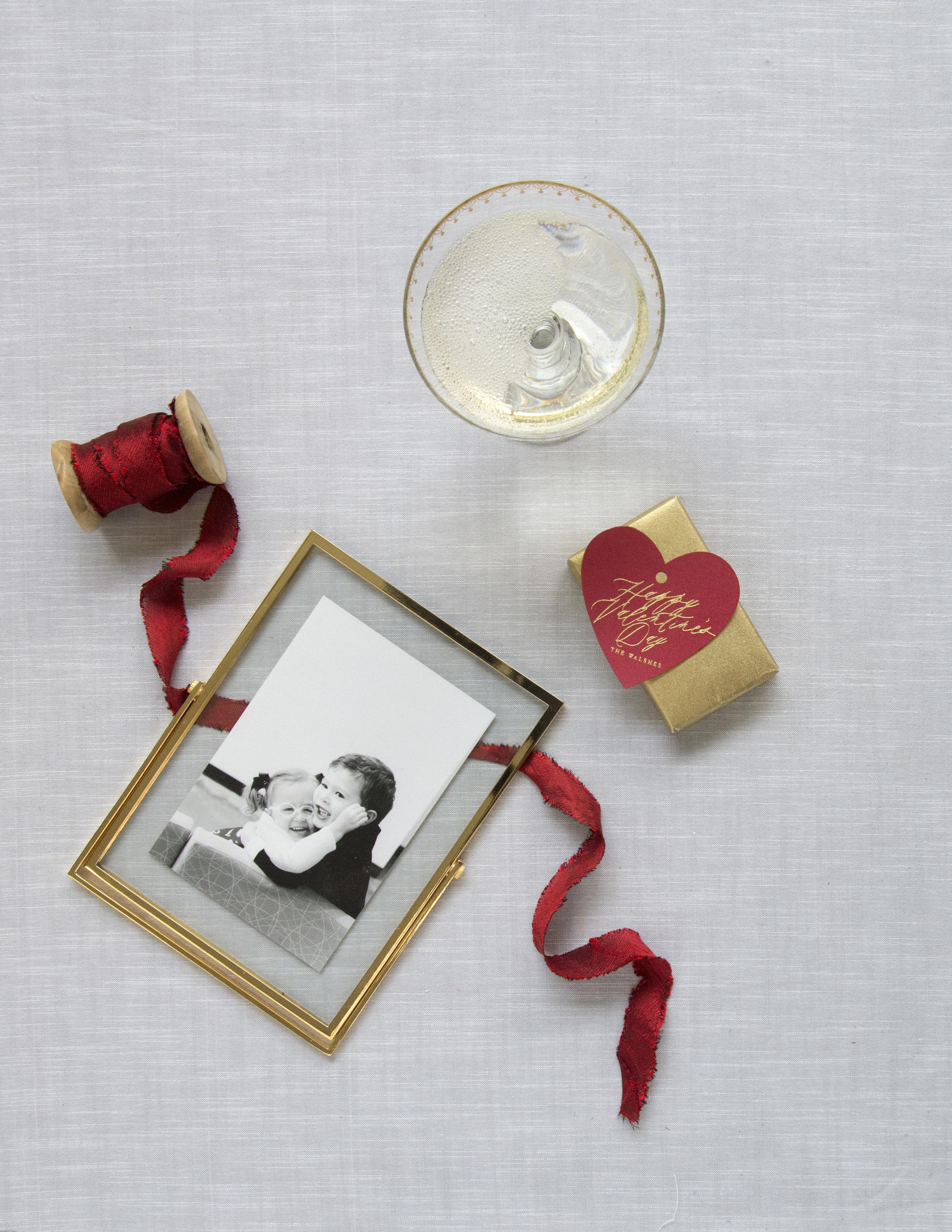 PGT_T307_Stylized_Valentine_Frame_Ribbon_HautePapier.JPG