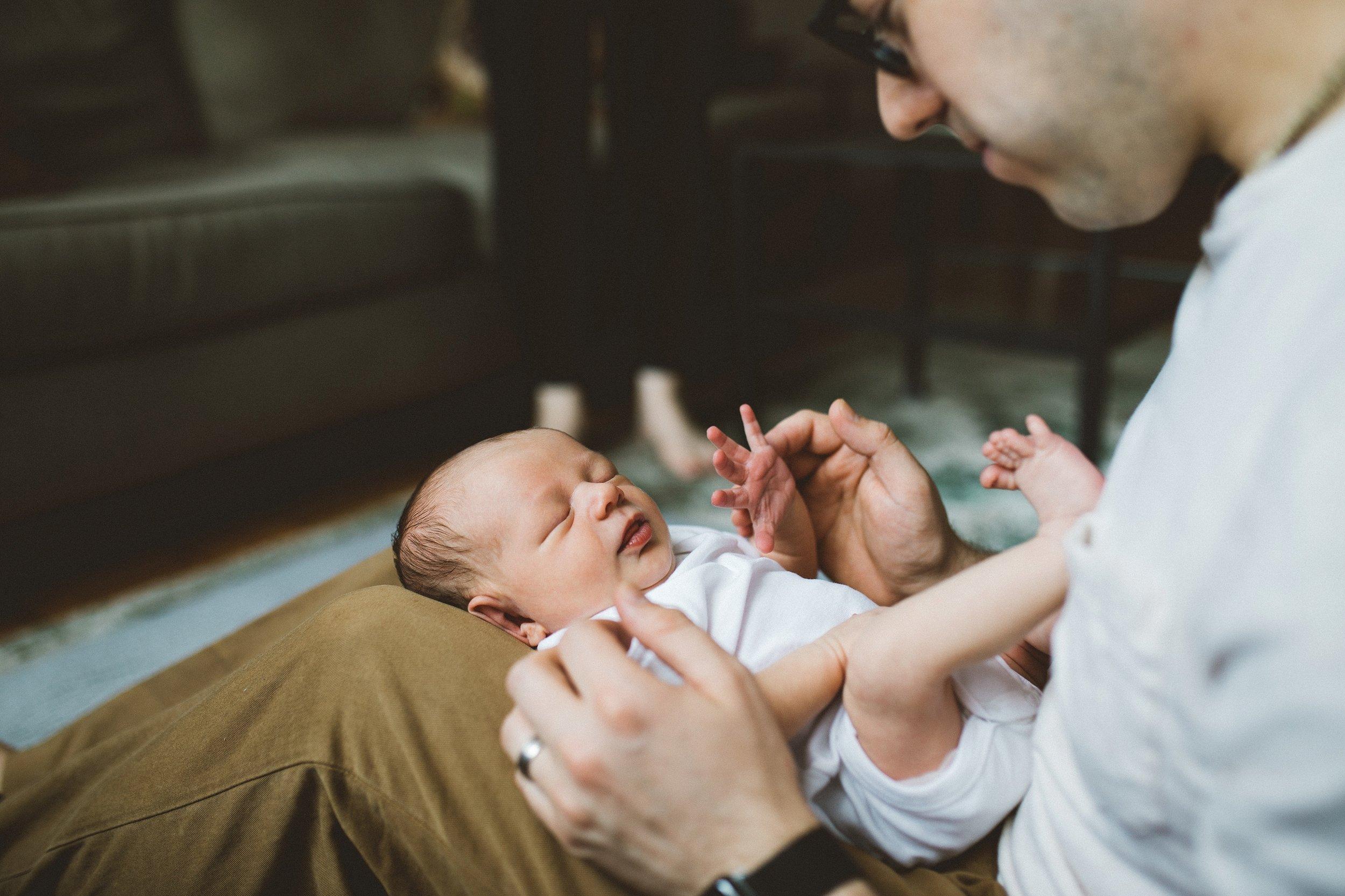 manhattan lifestyle newborn photographer_0185.jpg