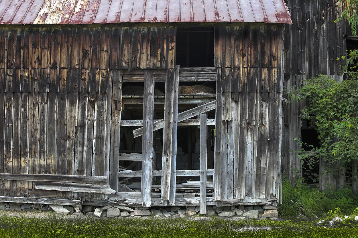 Broken Barn .jpg