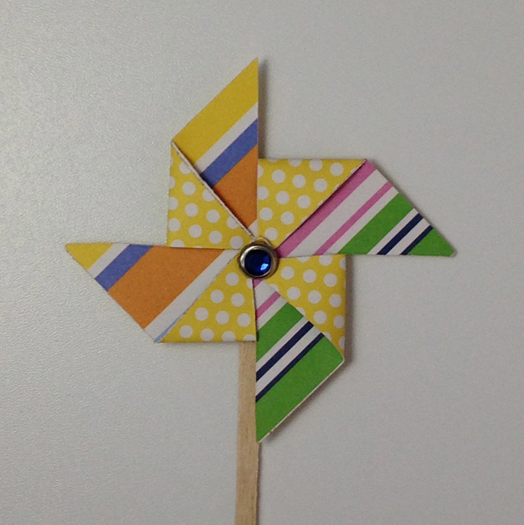 How to make pinwheel cupcake toppers with me & my BIG ideas paper