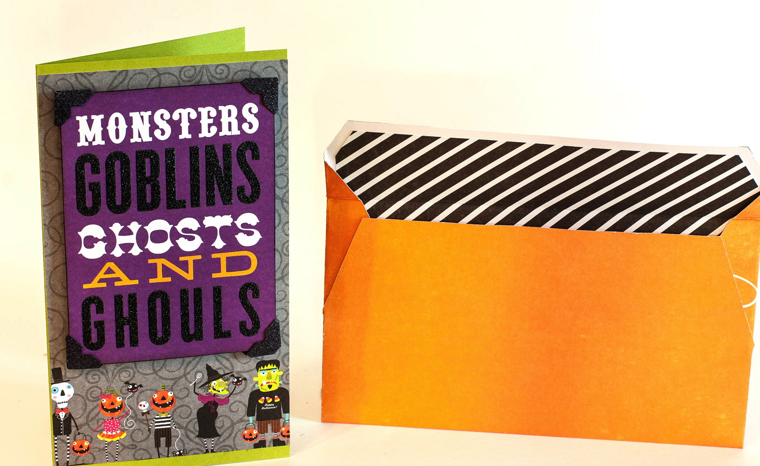 Halloween mambi cards with paper pad and POCKET PAGES.