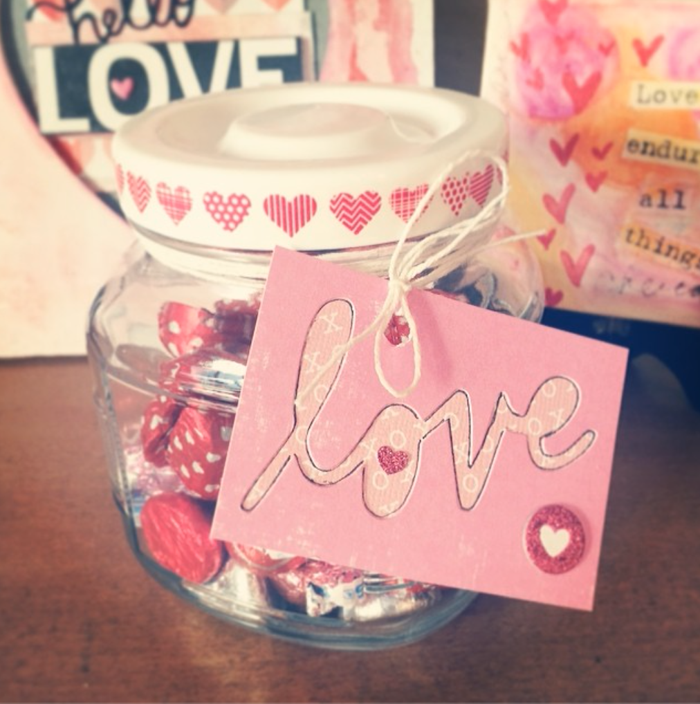 Cards in an instant love tag paired with the free mambi printable on the me & my BIG ideas blog.