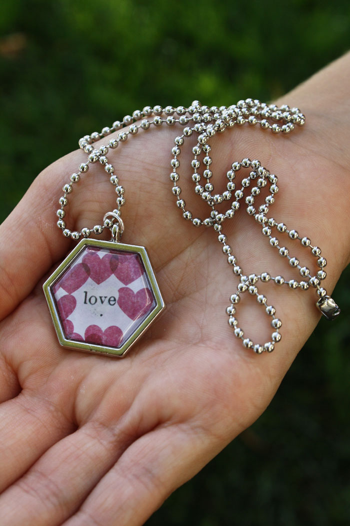 DIY chain necklaces using mambiSHEETS + Epiphany Crafts hexagon punch | me & my BIG ideas