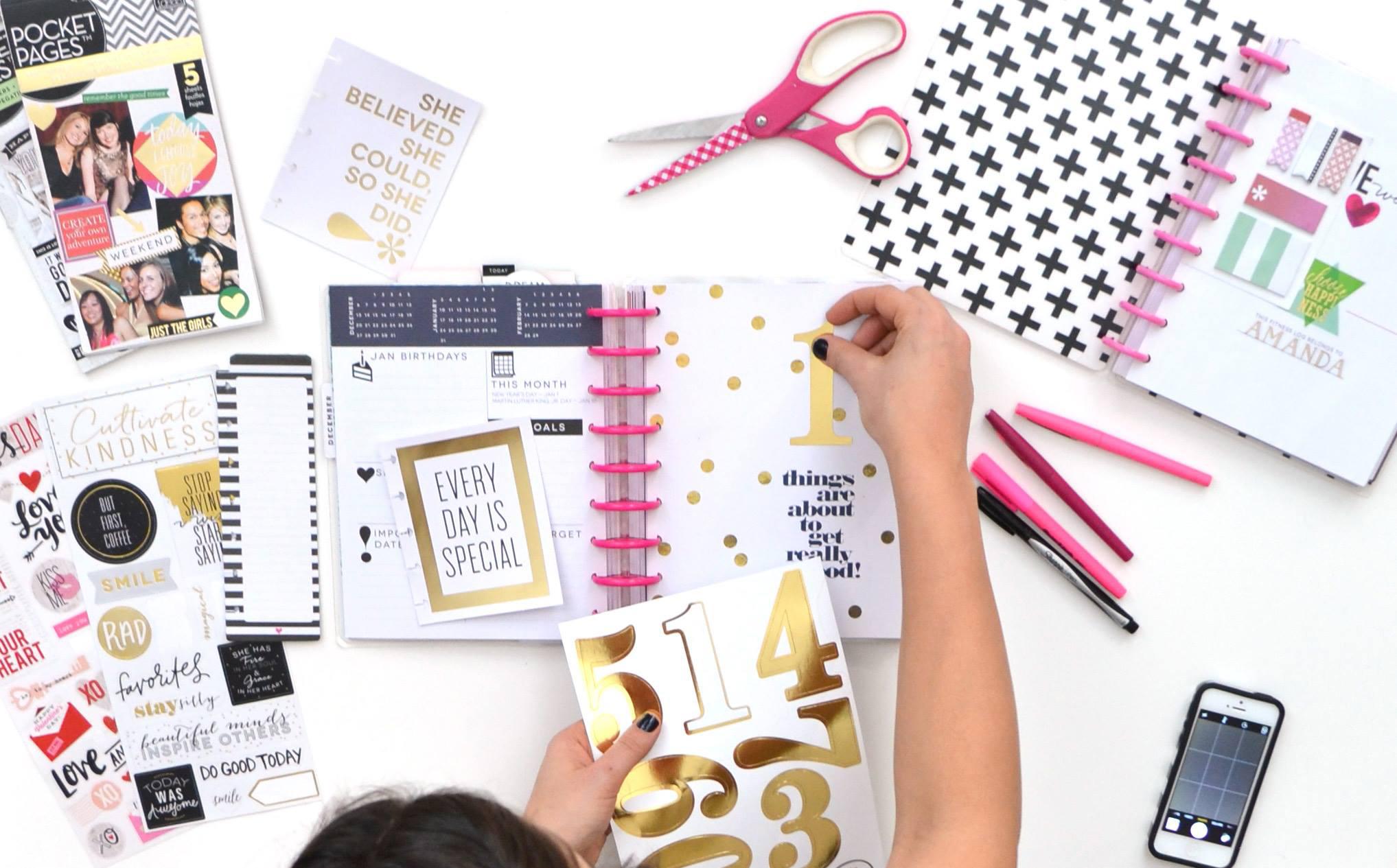 'I Am a Happy Planner' featuring mambi Social Media Coordinator Amanda Rose Zampelli | me & my BIG ideas