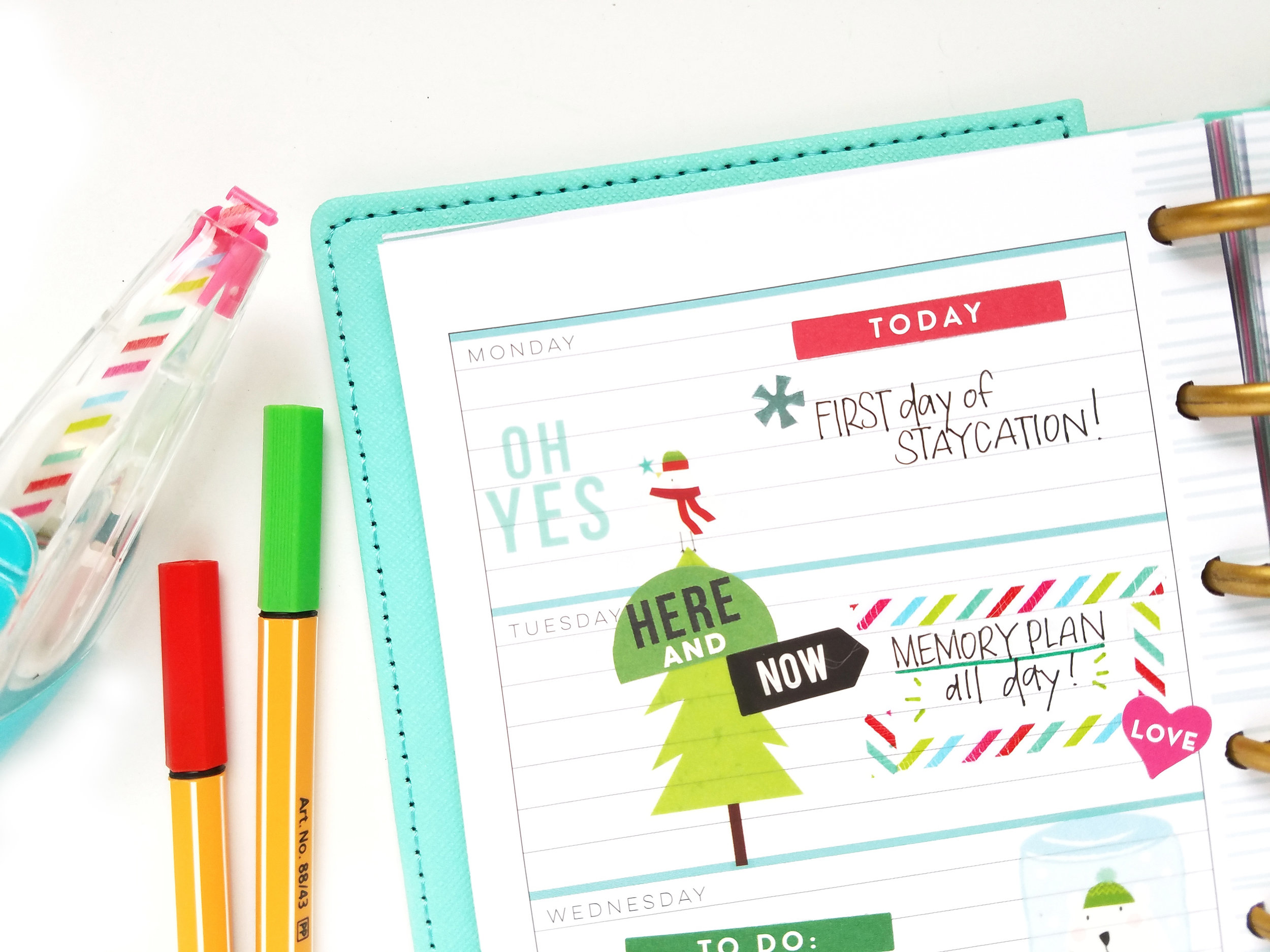 getting Christmasy in the MINI Happy Planner™ of mambi Design Team member MICHELLE WEISSERT | me & my BIG ideas