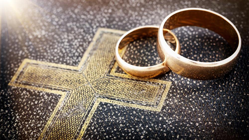 El Matrimonio Requiere a Tres