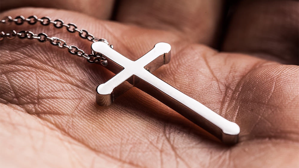 Jesús No Quiere Ser Su Amuleto Político