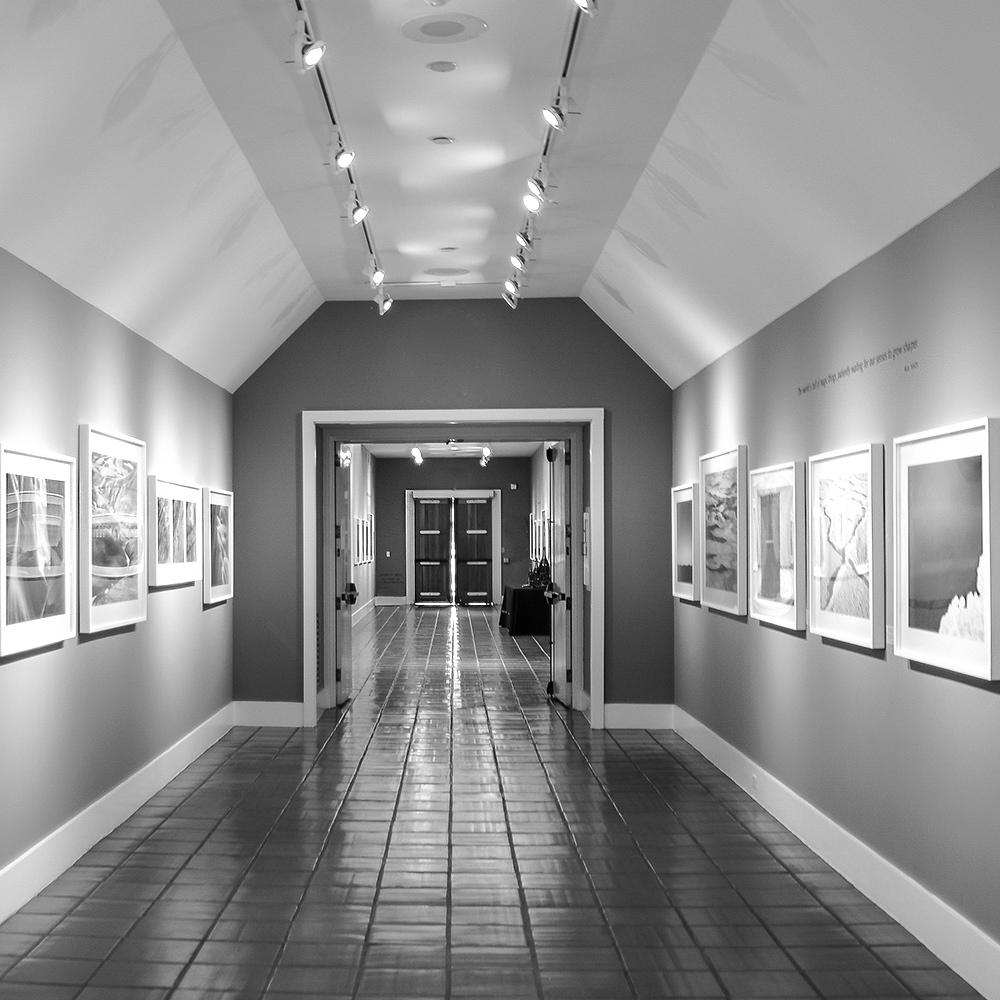 gallery_left.jpg