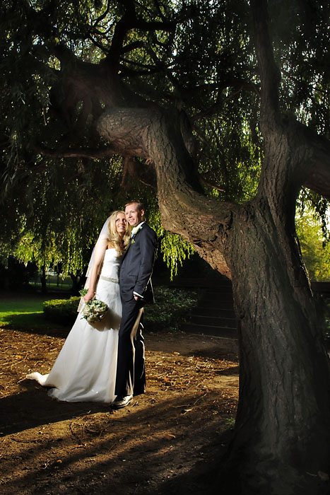 London wedding photographer, bride and groom, off camera flash.jpg