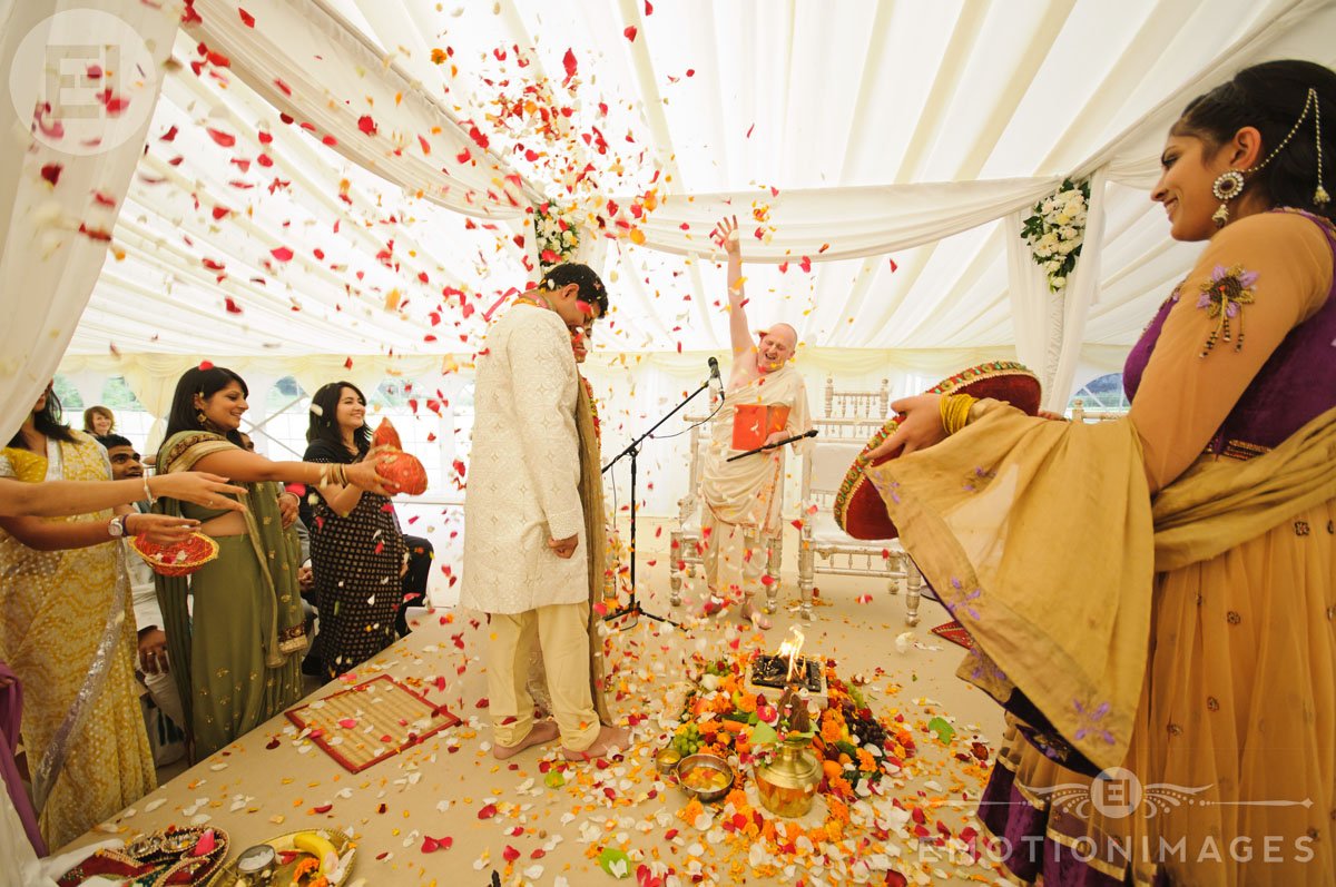 Asian Wedding Photographer London_039.jpg