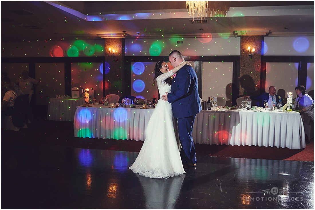 crown-moran-hotel-wedding-photographer_x115.JPG