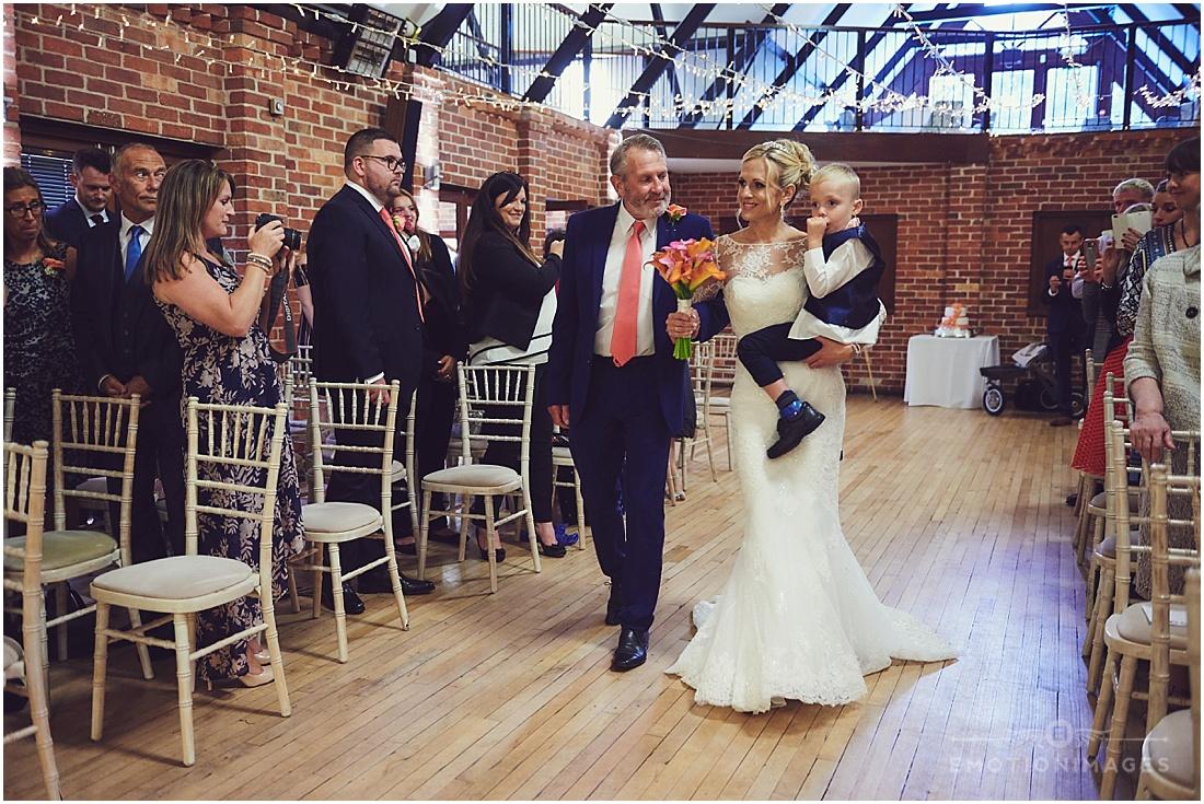 bedfordshire-wedding-photographer_e-motionimages_003.JPG
