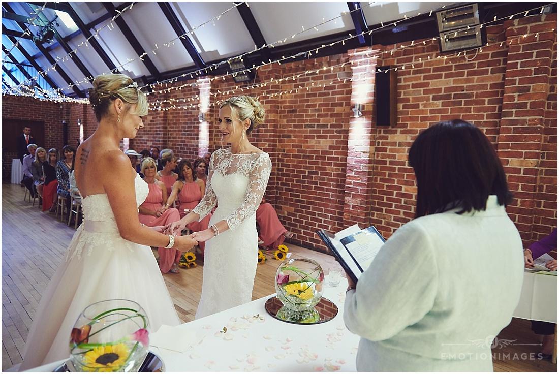 bedfordshire-wedding-photographer_e-motionimages_006.JPG