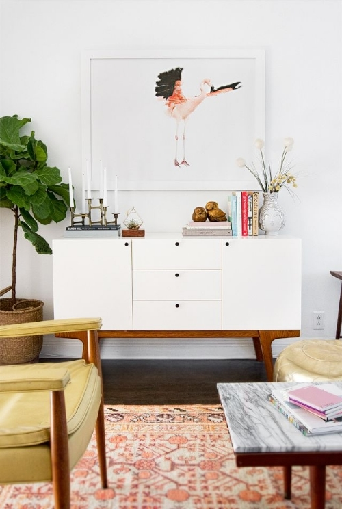 Smitten Studios Online has won me over completely. I am absolutely drooling over her living room. Be sure to click over and check it out!
