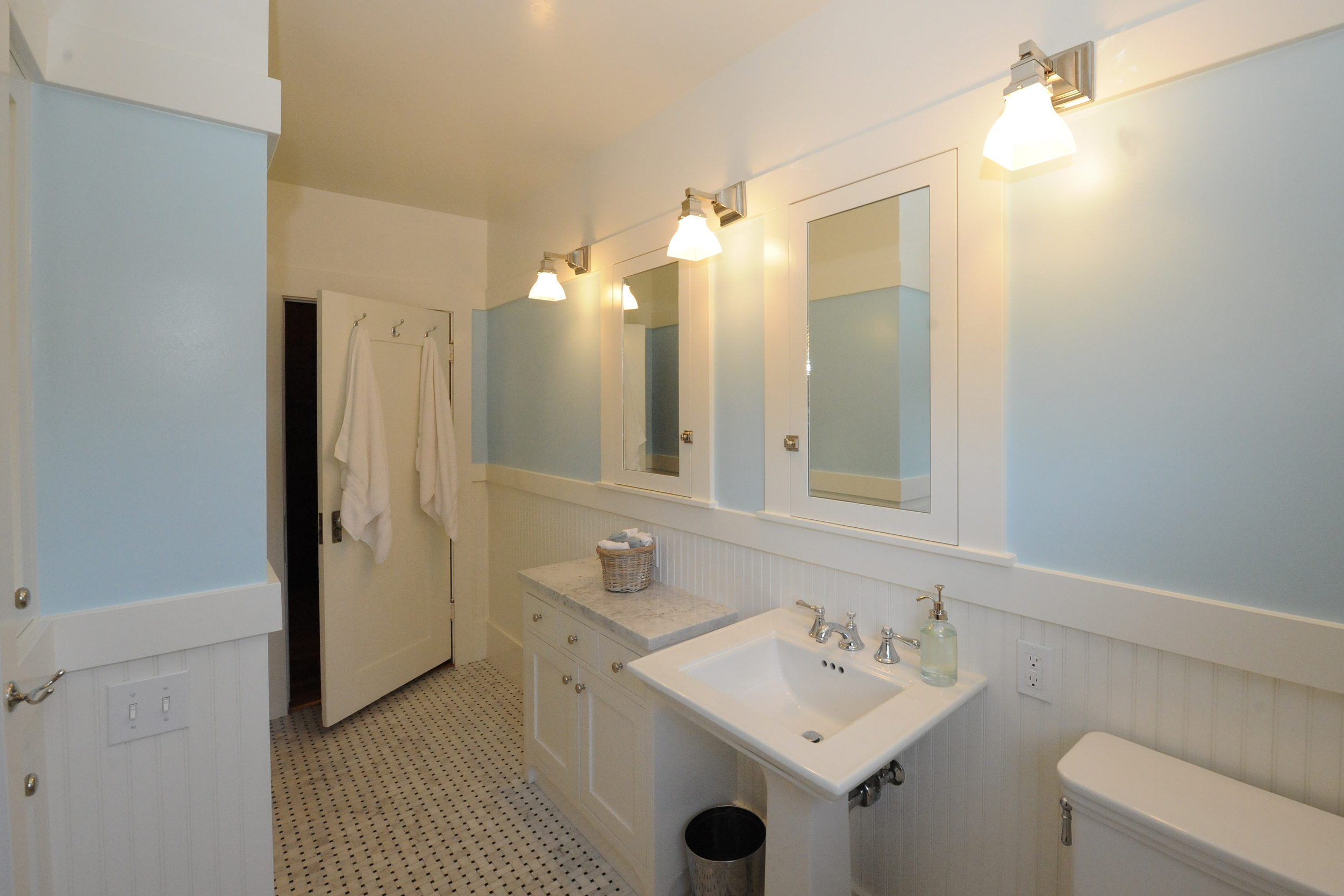 Berkeley Brown Shingle Family Bathroom