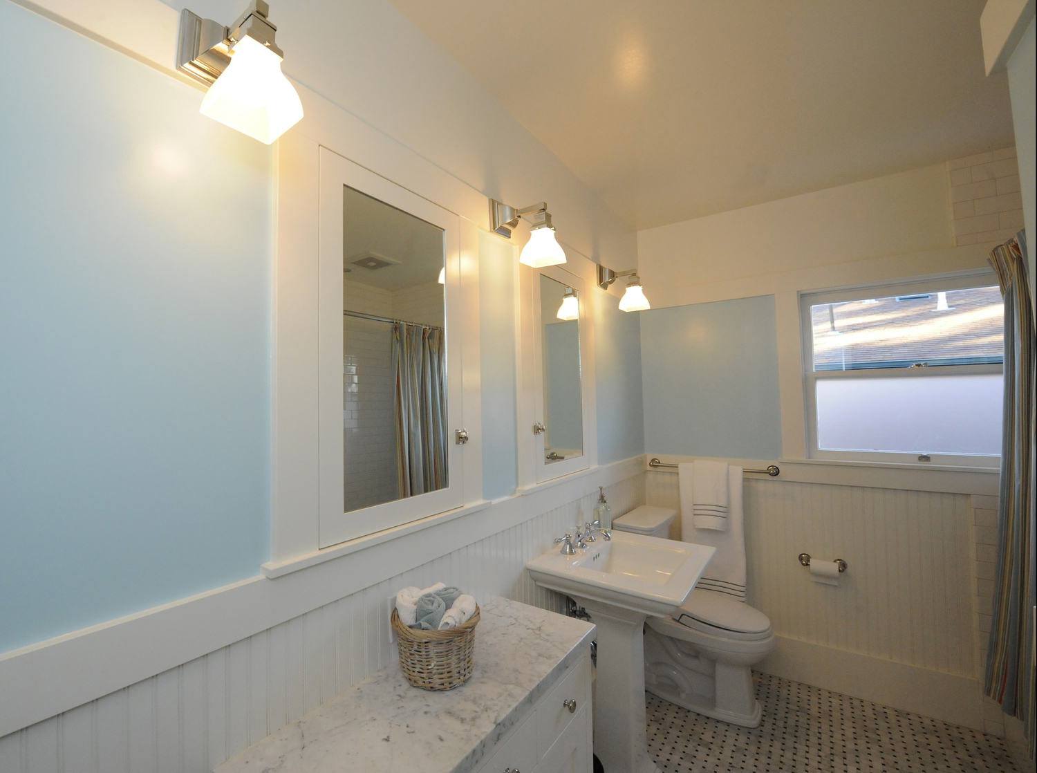 Berkeley Brown Shingle Traditional Guest Bath