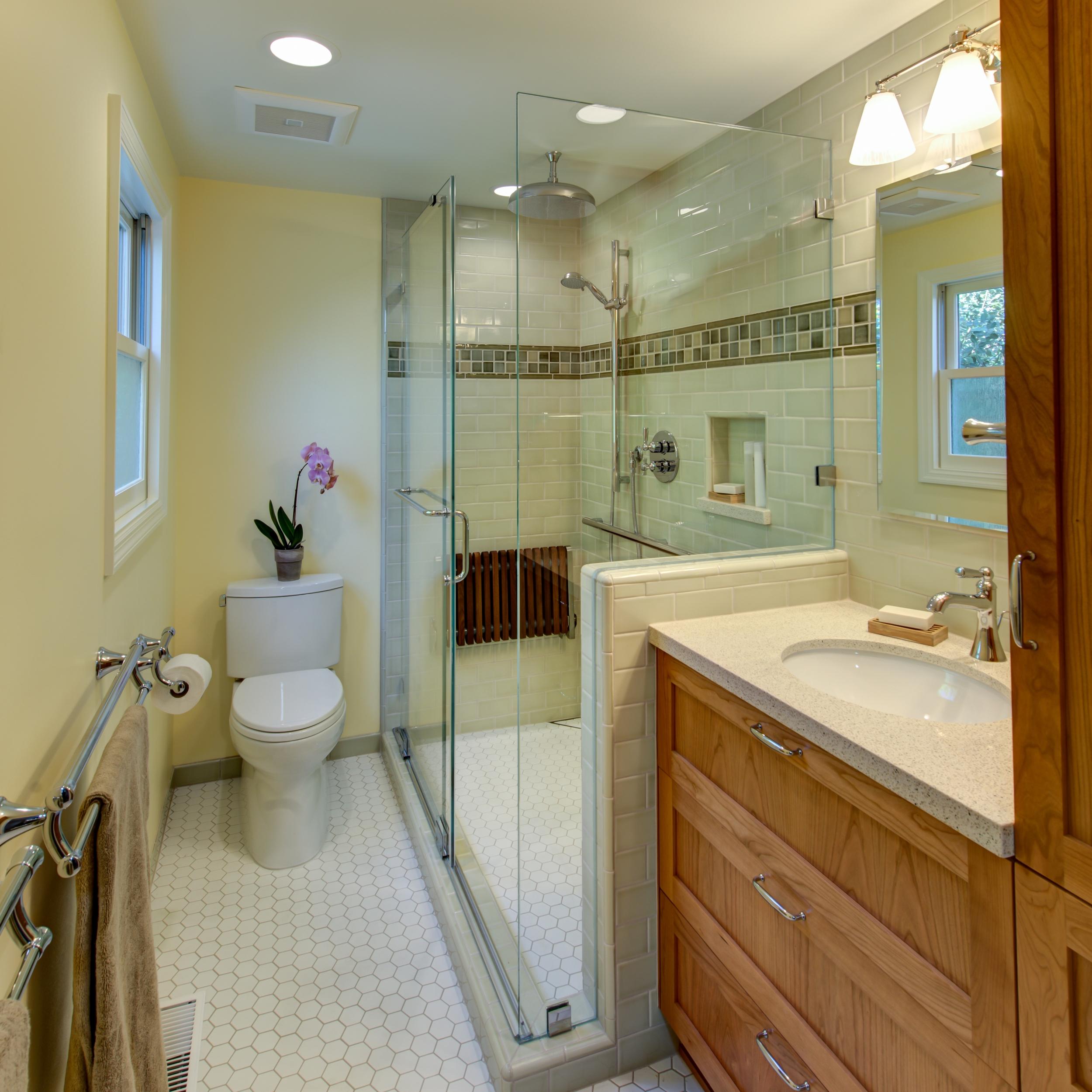 El Sobrante 50's Ranch Bath