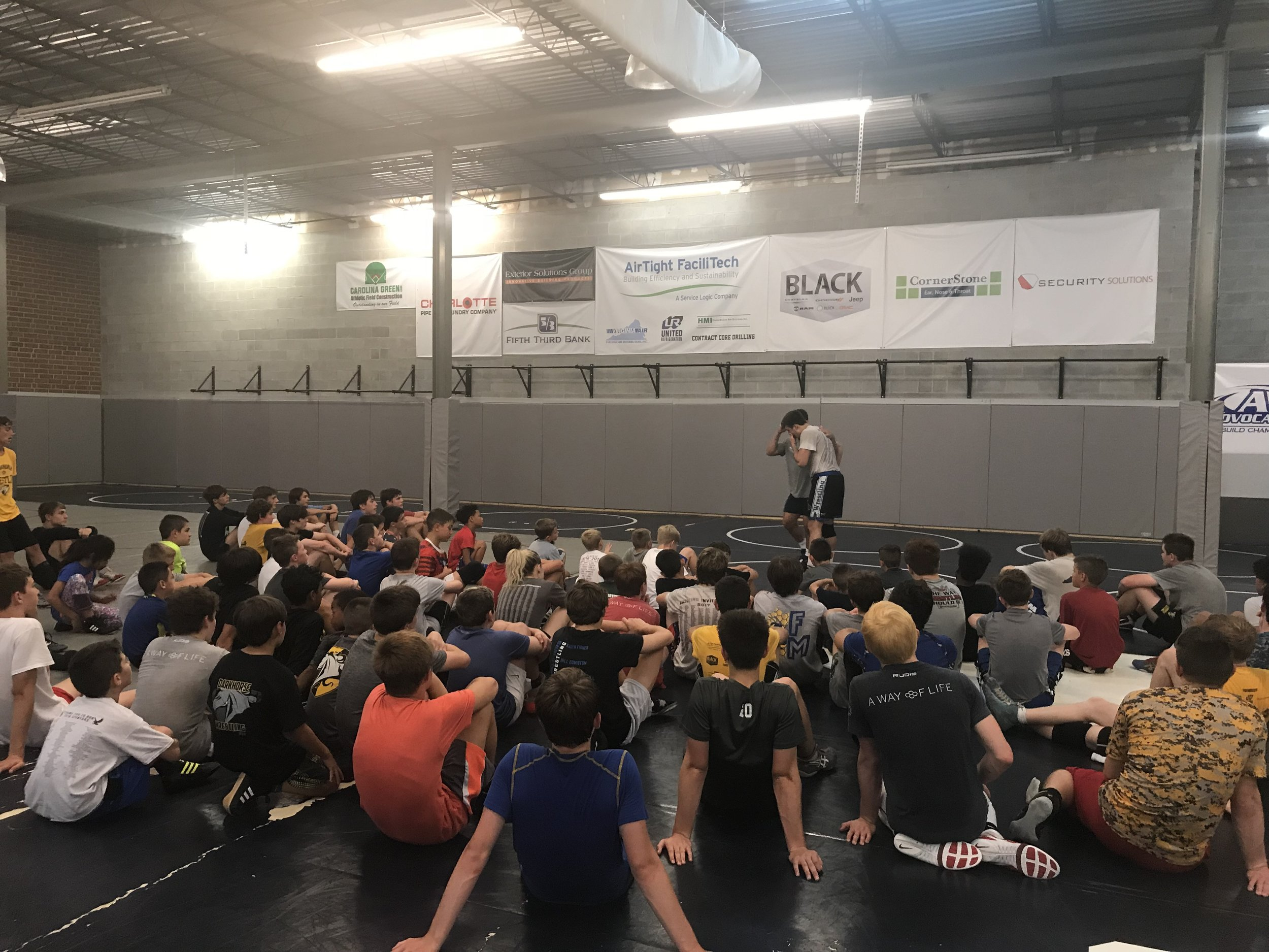 Vincenzo teaching technique to Darkhorse campers.