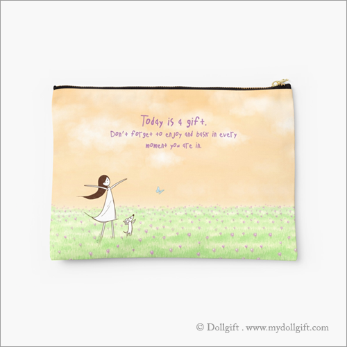 Today Is A Gift, Studio pouch - Large