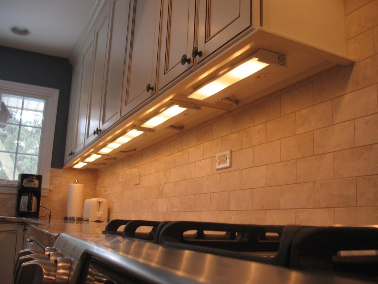 undercabinetlighting0.JPG