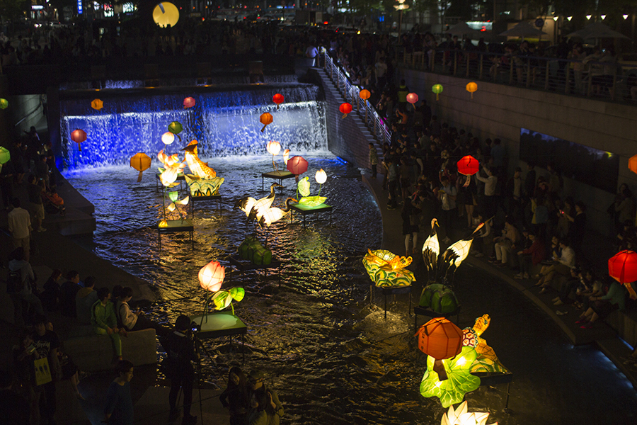 Seoul Lotus Lantern Festival.jpg