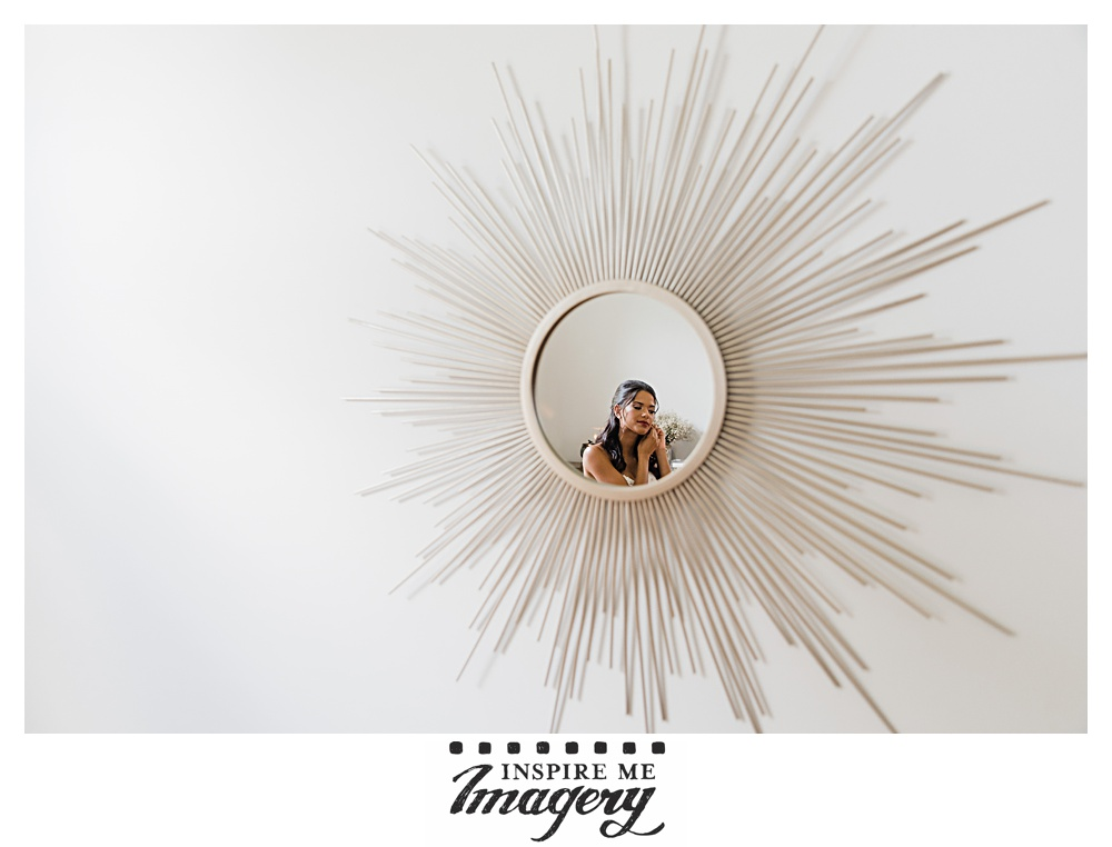 Awesome mirror, right? Frames the bride getting ready perfectly.