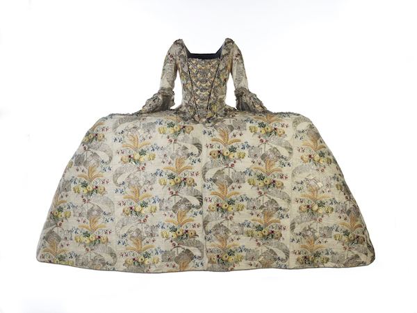 The Fanshawe Dress, 17th century, Spitalfield Silks collection, Museum of London