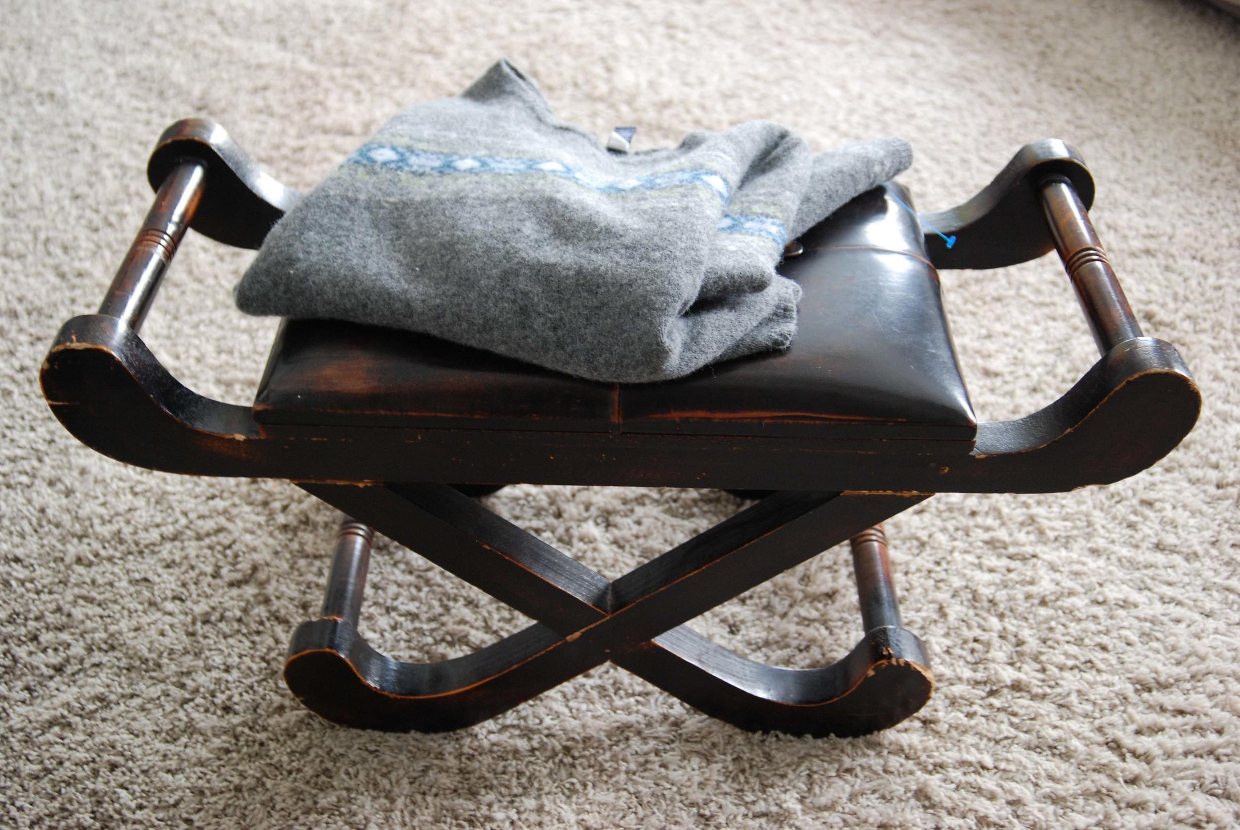 sweater stool diy