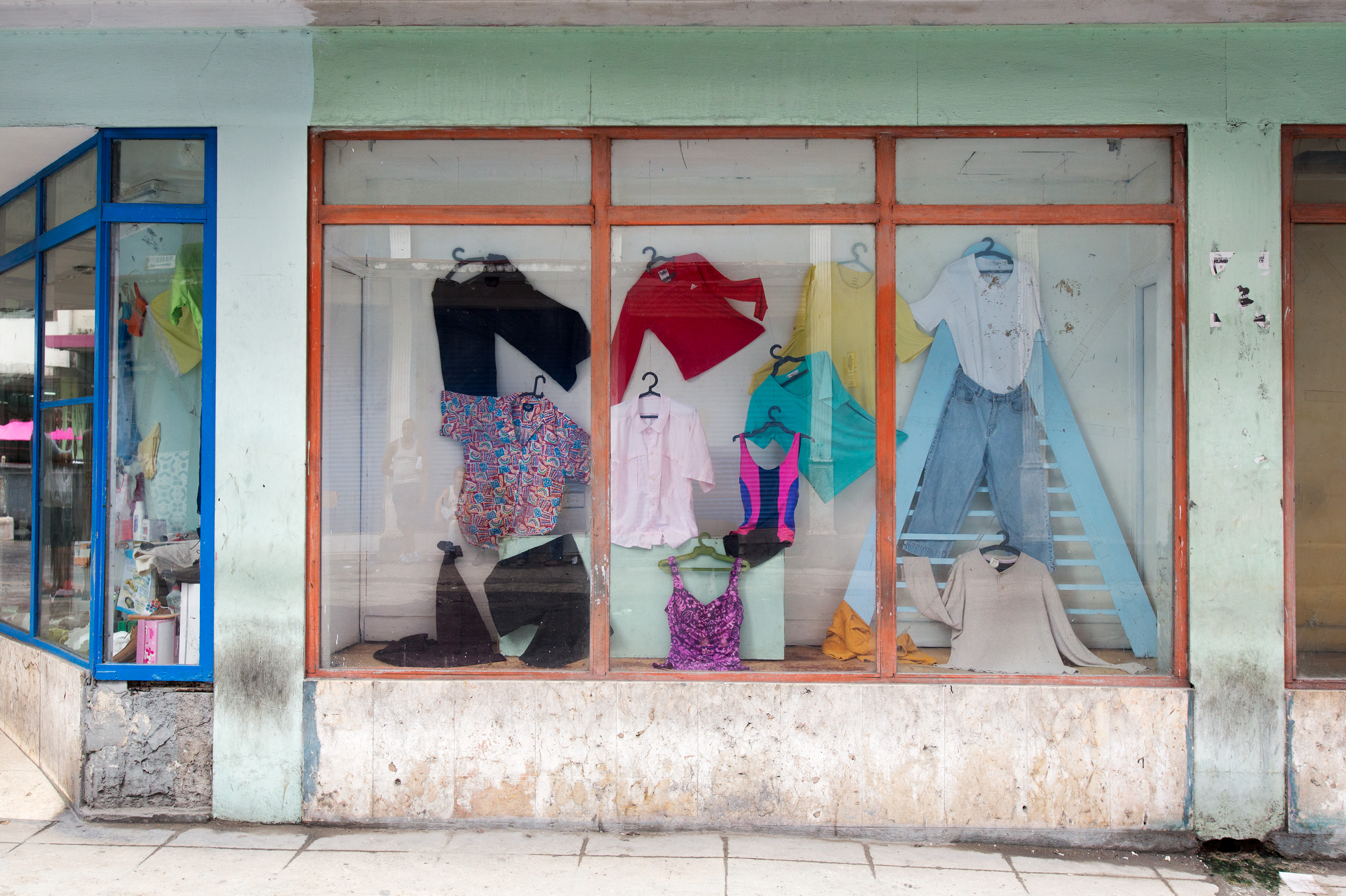 AlexaHoyer_Storefronts_07.jpg