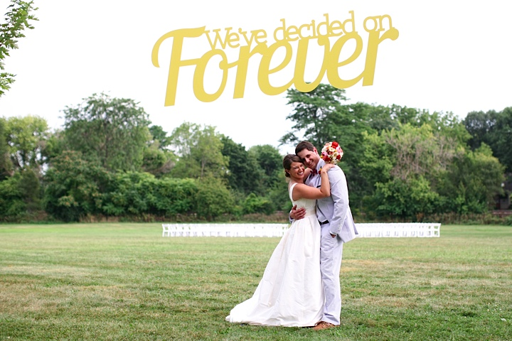 What a fab way to greet your guests! Danielle designed this floating sign for their ceremony on the lawn of The Carranor Club, Perrysburg Ohio.