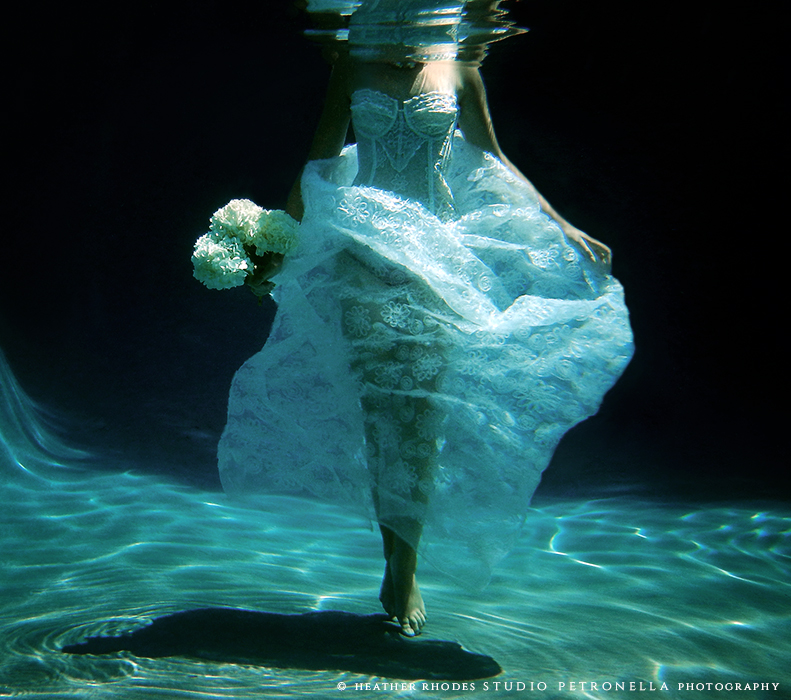 underwater bride 3 © 2015 heather rhodes studio petronella all rights reserved.jpg