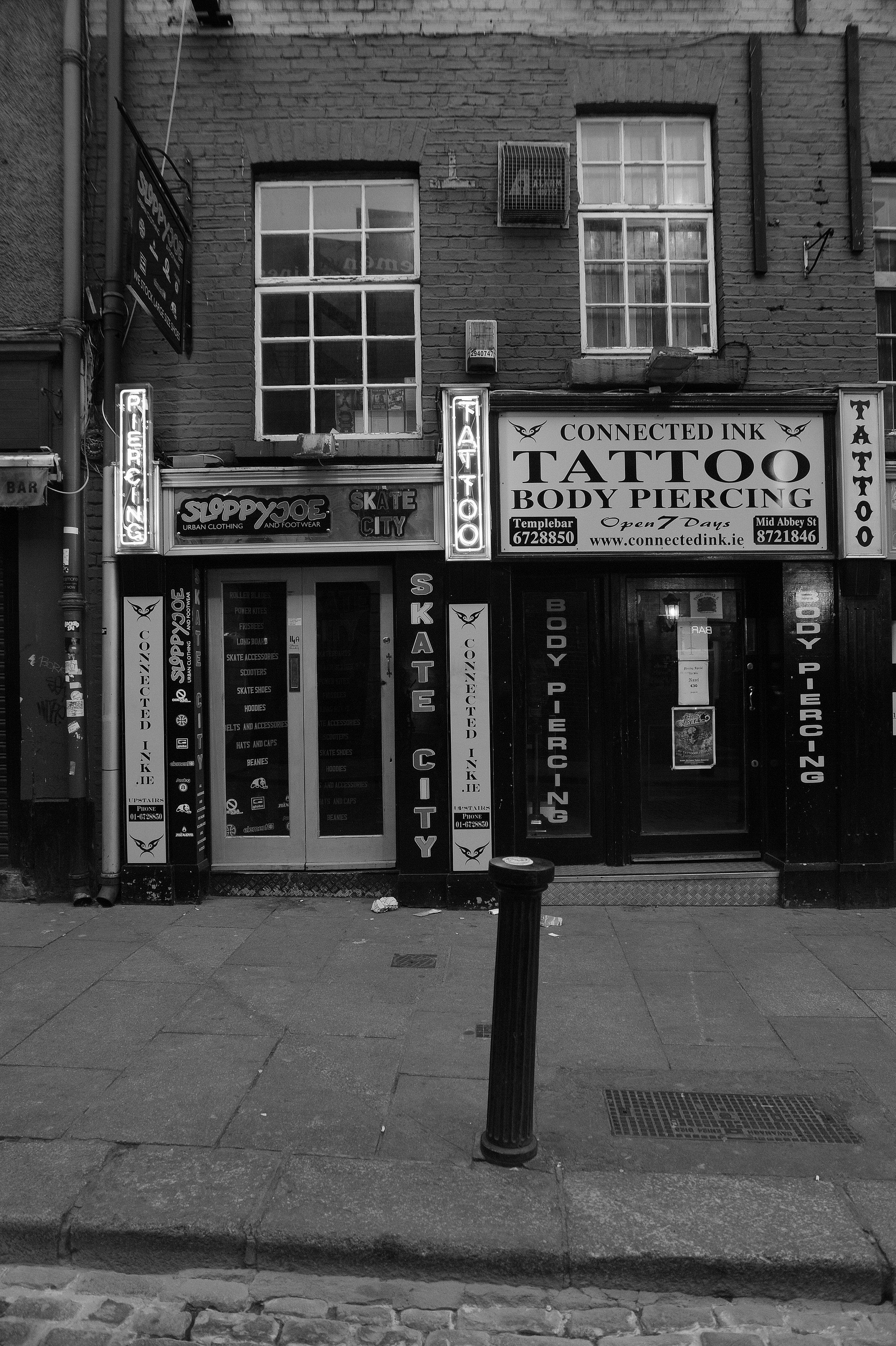 tattoo-parlour-dublin-recession-