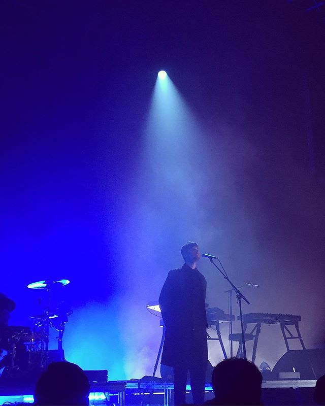 """Are you in love? Do your best impression for me. I try my hardest for you. Are you in loooOOooOooove?"" Still vibrating and collecting my damn self from 🔙to🔙 @jamesblake ✨🖤💆🏻‍♀️😭✨ #EARGASM #imnotcryingyourecrying"