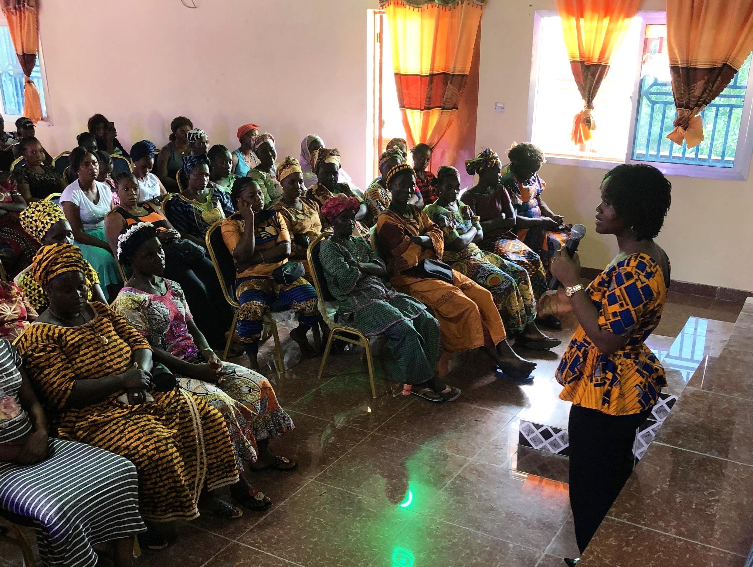 AIDS-Free World's Legal and Gender Associate, Saramba Kandeh addresses community members.  (Photo: ©AIDS-Free World)