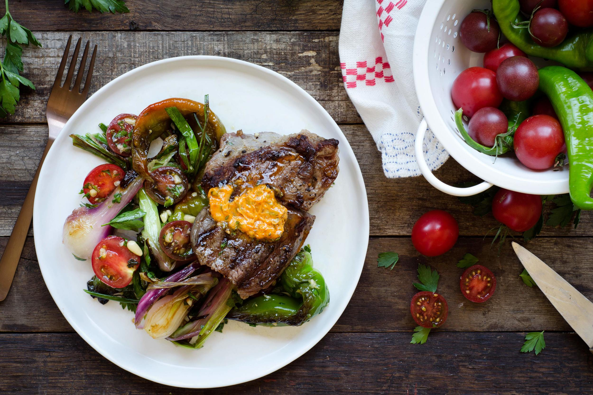 Steak-Tomatoes-Peppers-Compound-Butter_Hero_2x3H.jpg