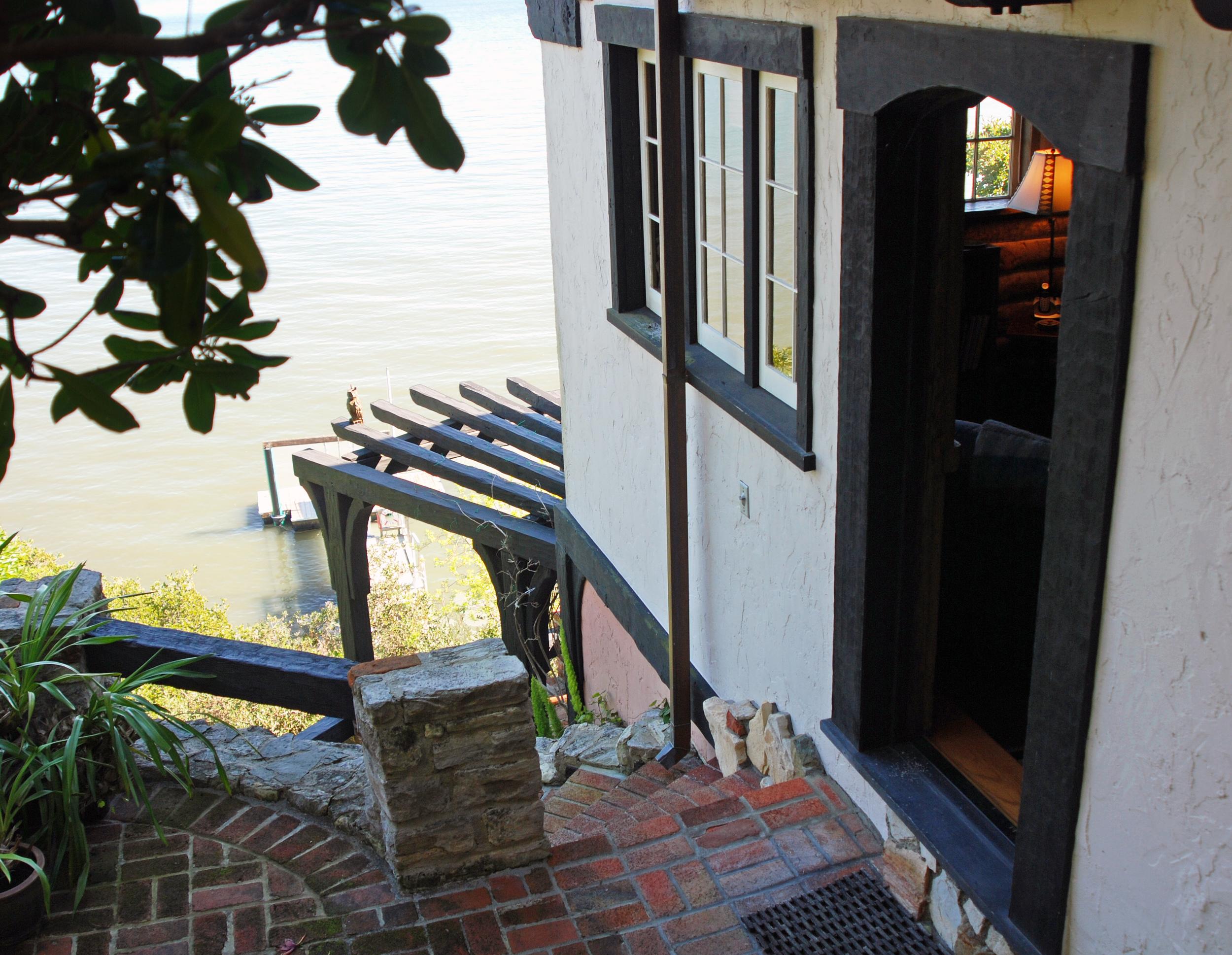 Sudden Fear -  Myra's Summer House