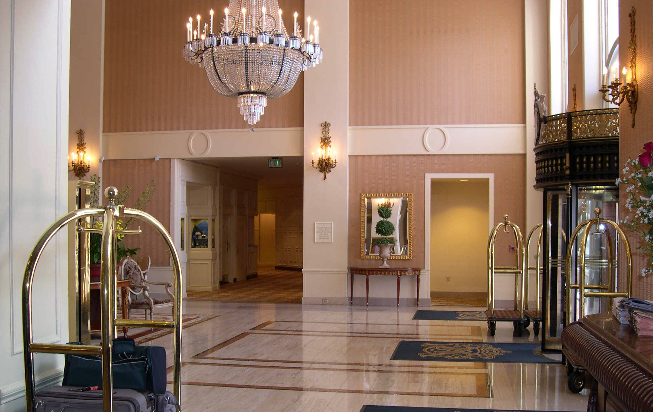 Bullitt - Hotel