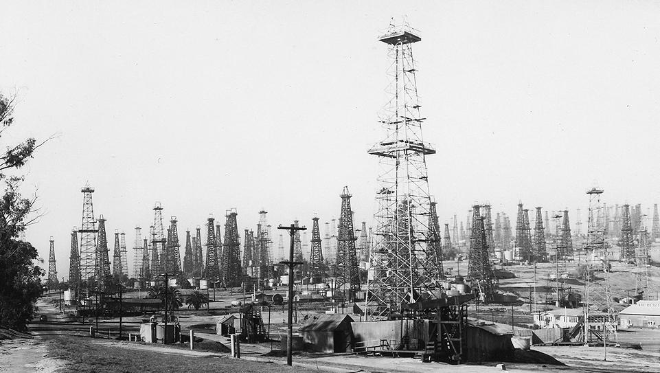 5 - signal hill 1930.jpg