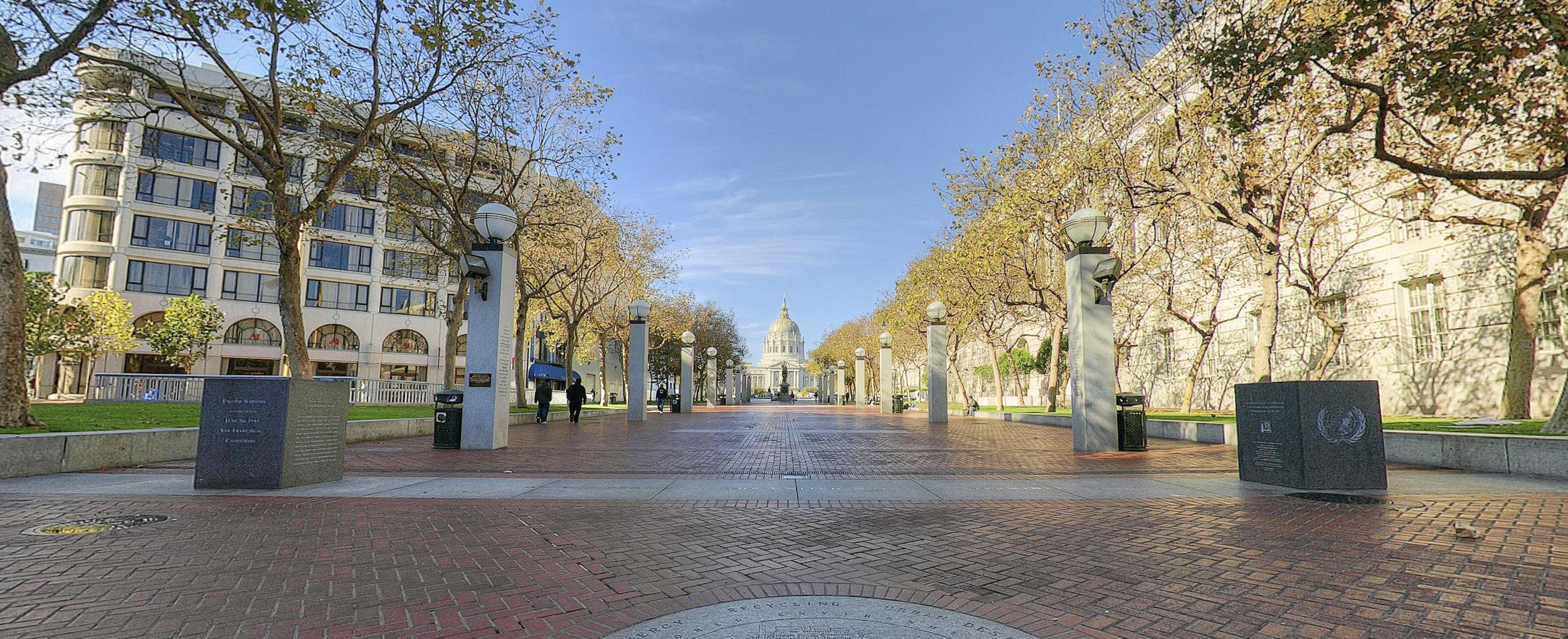 17 - un plaza 2015.jpg
