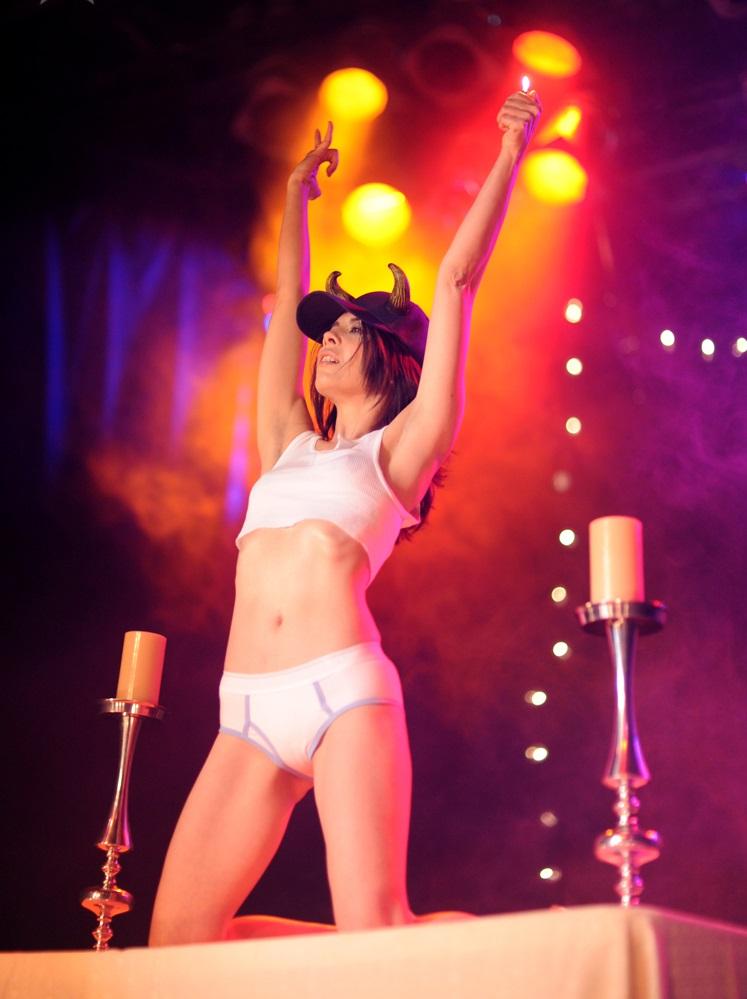 Burlesque dancer Diamondback Annie - La Photographie, Nashville