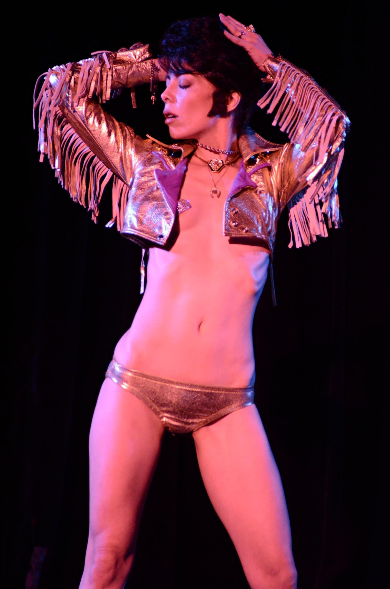 Elvis tribute act by Diamondback Annie - photo by Aaron Settipane