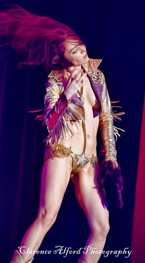 Diamondback Annie - Vegas Elvis act by Clarence Alford 5.jpg